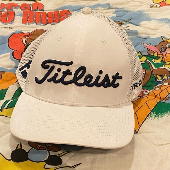 Titleist Pro V1 FJ Mesh Snap Back Golf Hat Cap